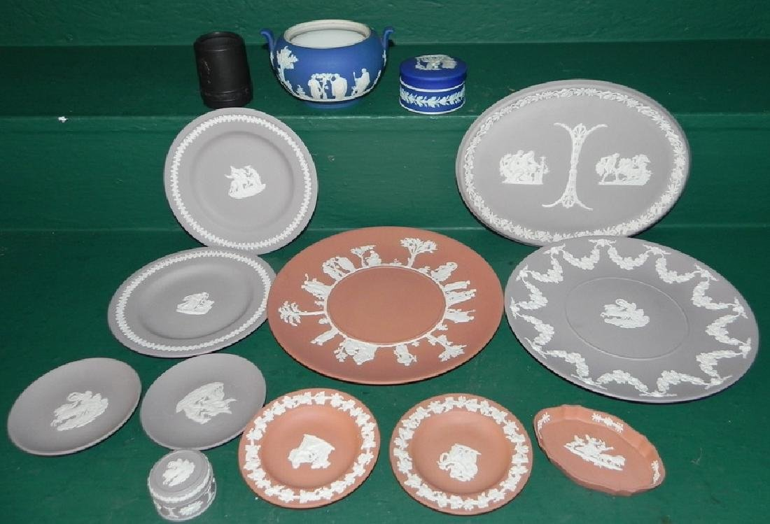 14 pieces of Wedgwood