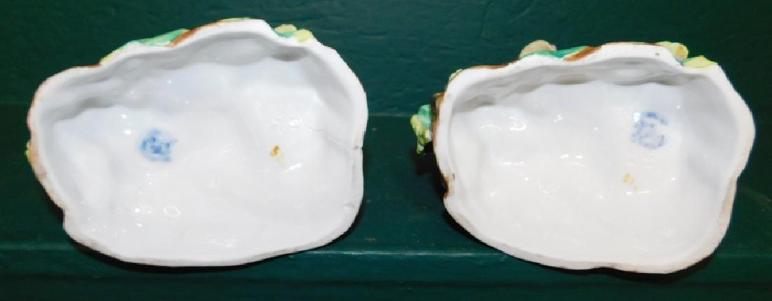 Pair of porcelain spill vases - 4