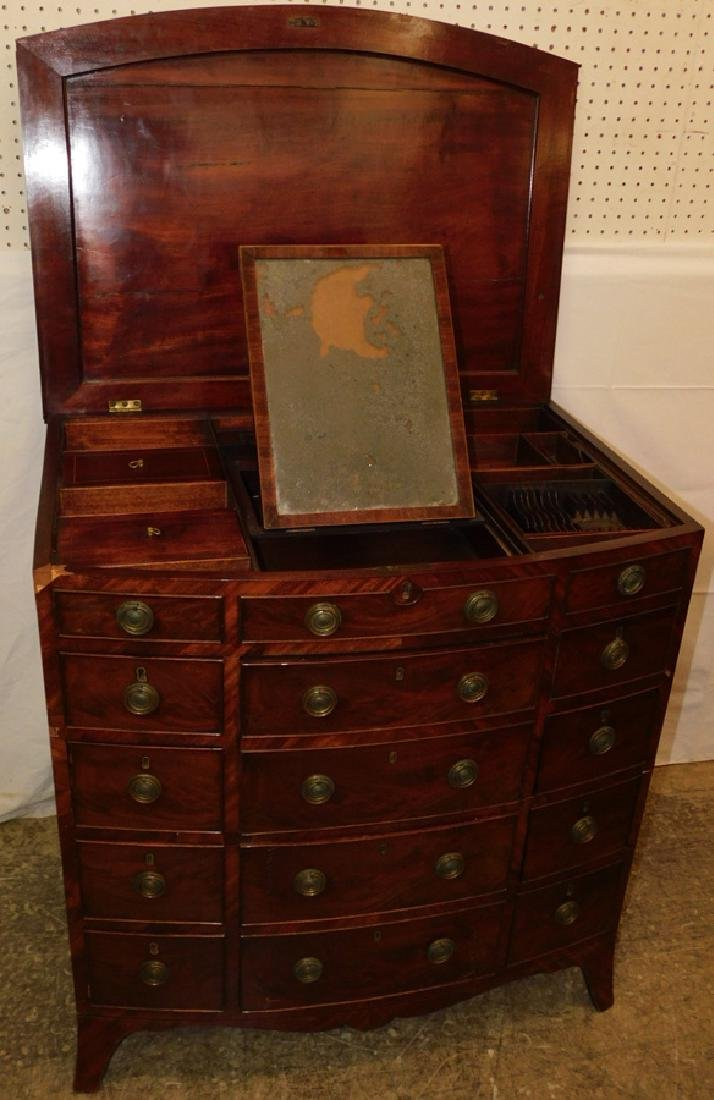 19th C mahog bowfront fitted dressing table - 5