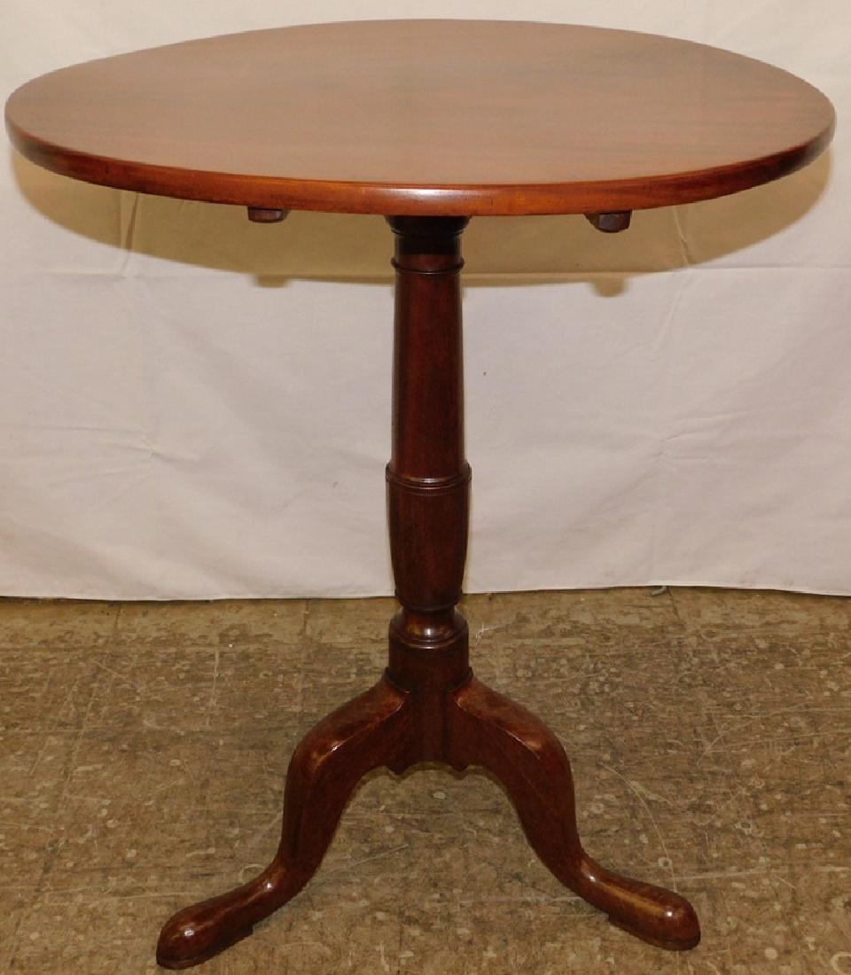 18th C mahogany Queen Anne tilt top table