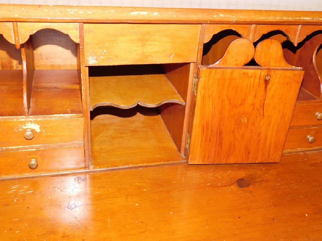 Pine slant front American desk - 4