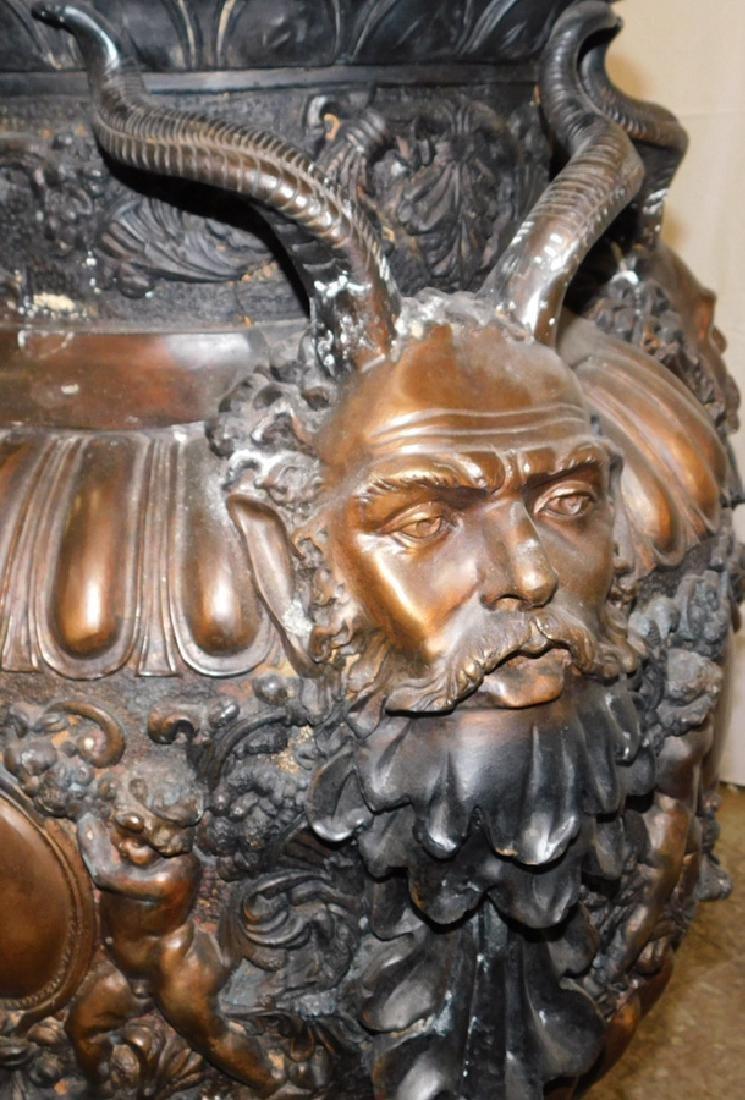 Pair of bronze ornate urns - 3