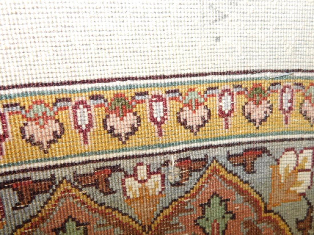 "Fine 9' 8"" x 13' 4"" handmade wool oriental rug - 9"