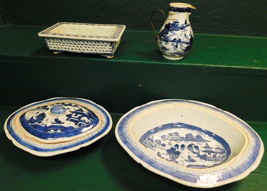 4 B&W Oriental Items