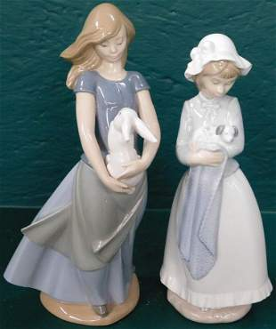 Two Lladro Style Figurines