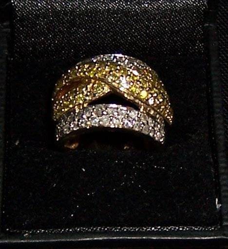 19: 10K diamond yellow gold diamond dinner ring