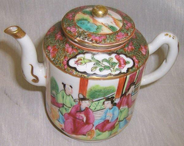 "19: 4 1/2"" Rose Mandarin tea pot"