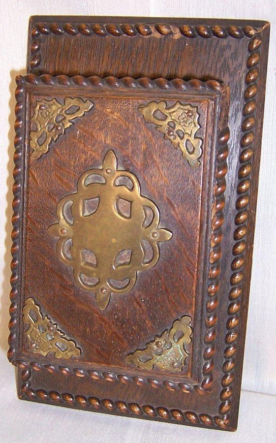 26: English oak Arts & Crafts cigarette box