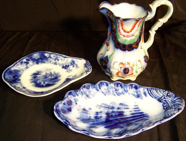 21: Two flow blue dishes and pitcher