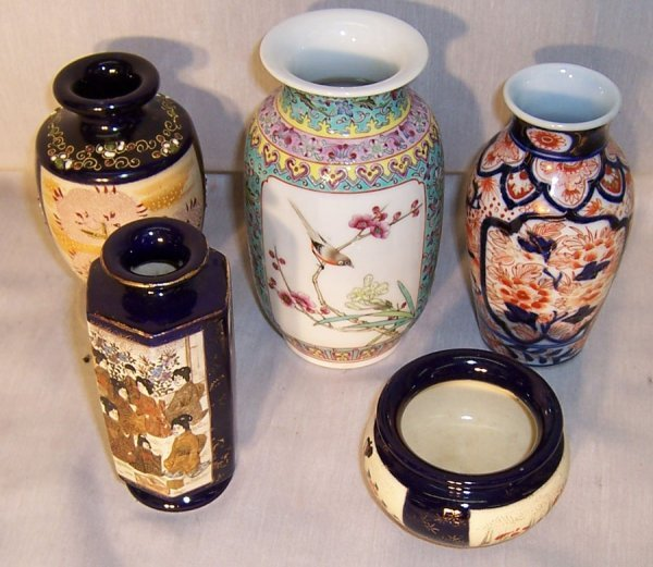 7: (5) Pieces Japanese and Chinese porcelains