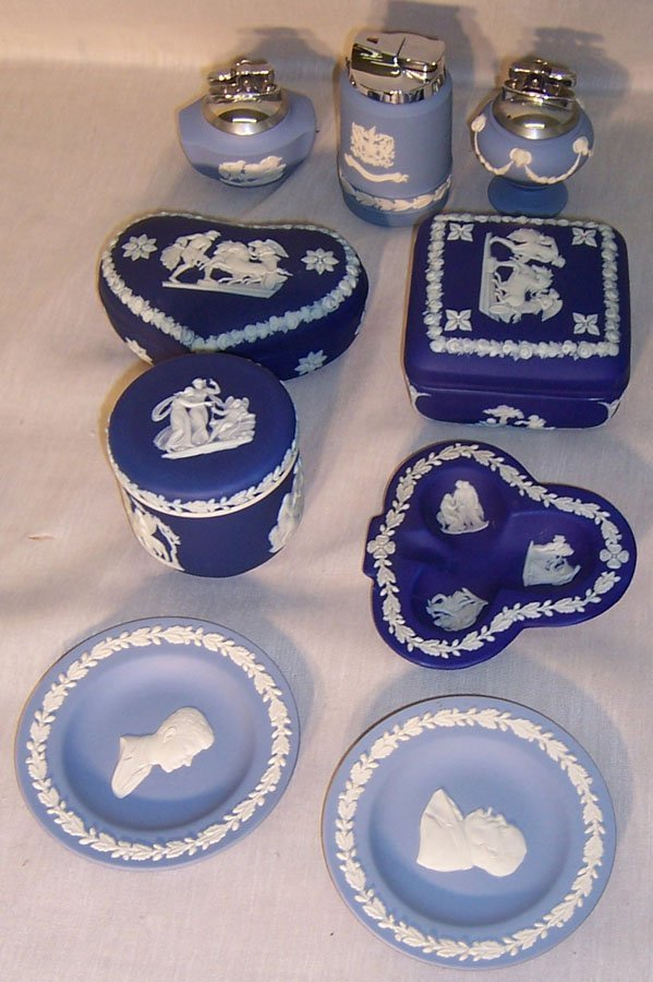 14: (9) Pieces blue Wedgwood