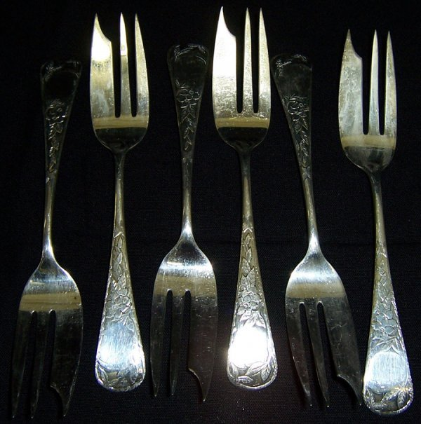 23: (6) Sterling ice cream forks (6.38 troy oz.)