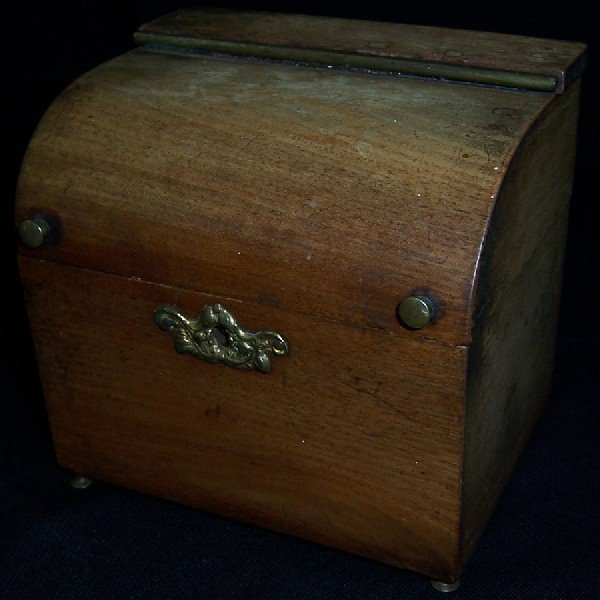 15: Small wooden tea caddy and iron safe box.