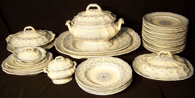 "22: (46) piece English dinner set ""Naples' Shield"""