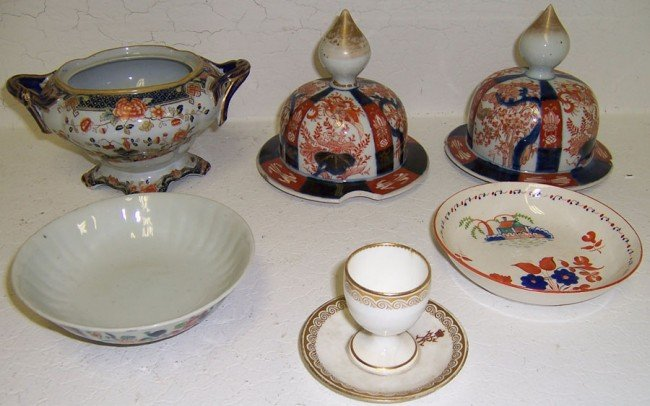 17: Lot of misc English and Japanese porcelain.