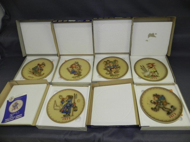 2: (6) Hummel plates, 1972-1977,w/ orig. boxes.