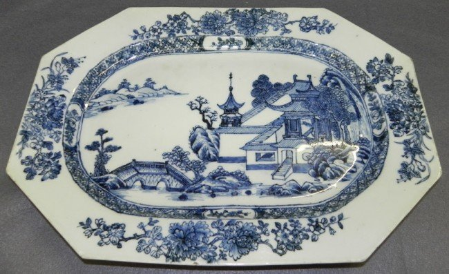 39: 19th century blue and white export tray.