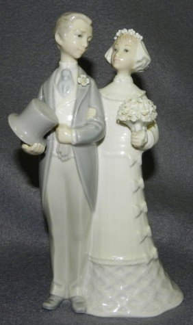 "Lladro ""Wedding Couple"" Figurine."