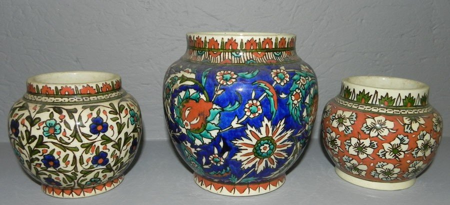 5: (3) Small ginger jars