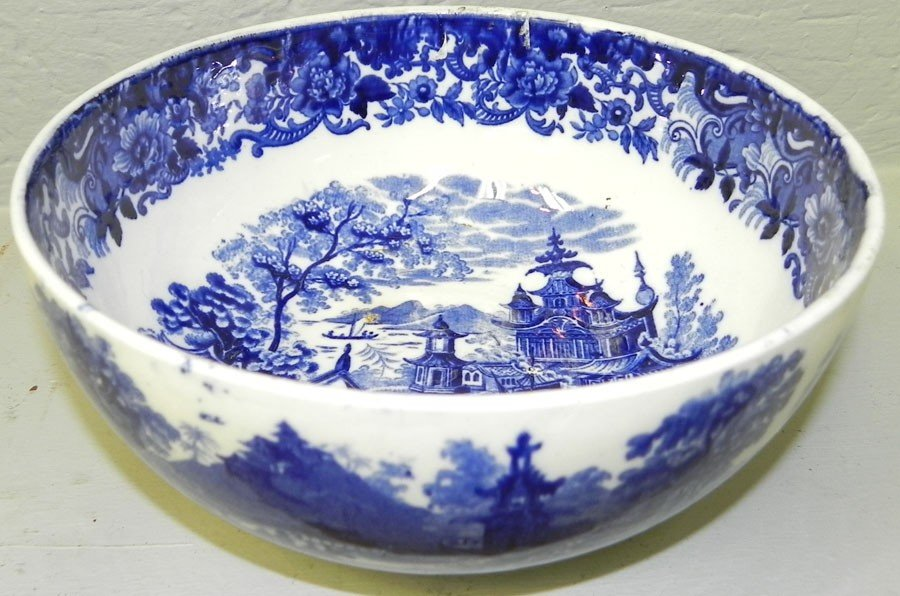 116: Transfer blue and white English bowl