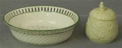 498: Wedgwood strainer & covered sugar bowl