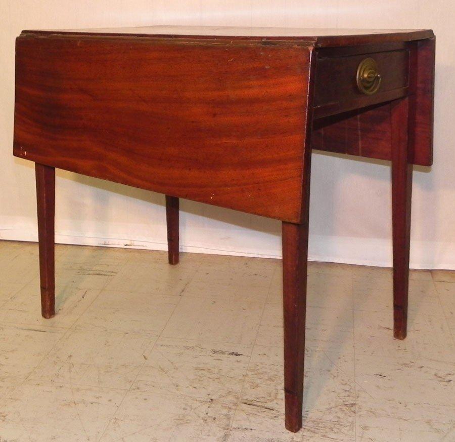 15: Mahogany Pembroke drop leaf table, Circa 1800.