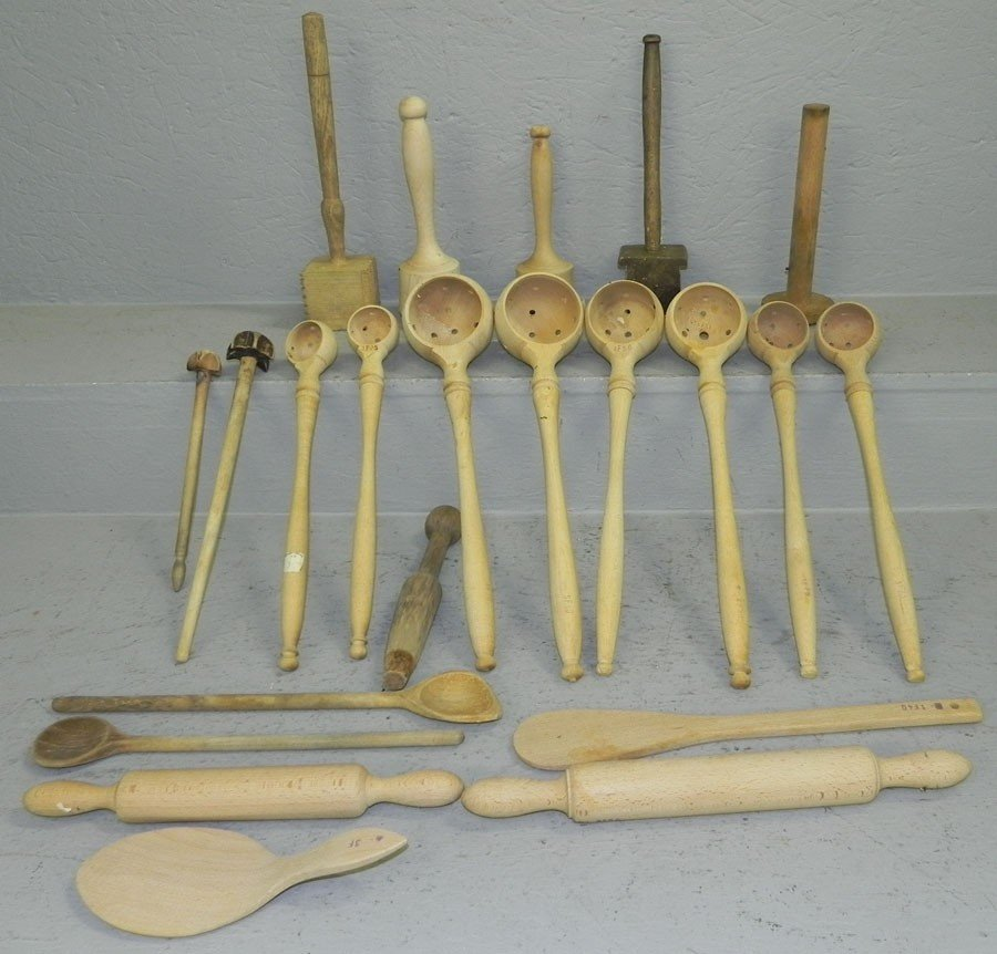 7: Lot of wooden ladles, rolling pins and mallets.