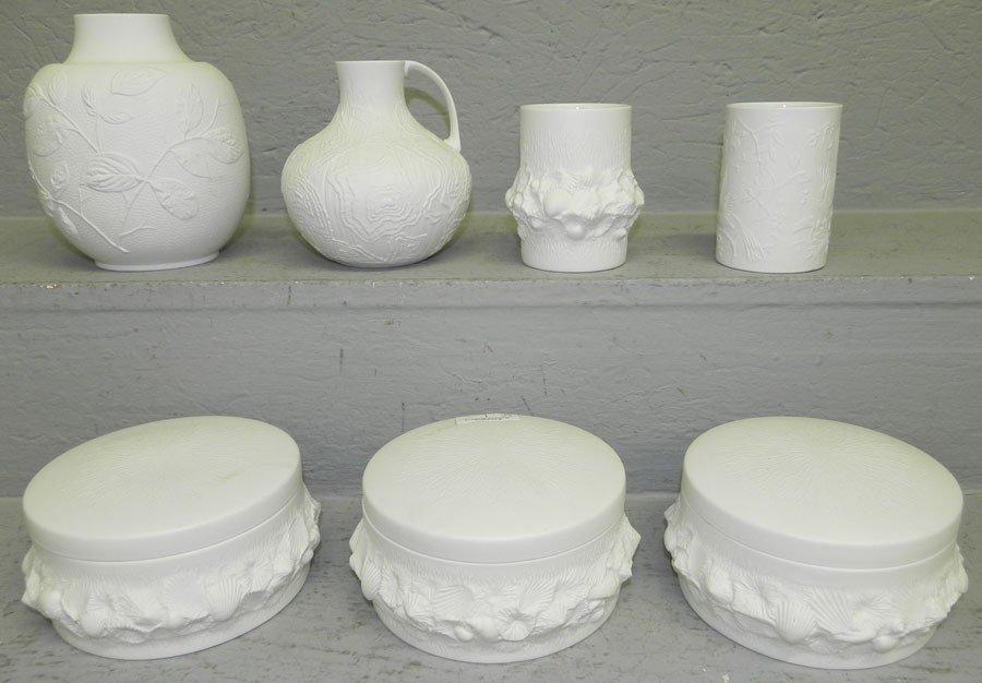 15: (7) pieces Kaiser porcelain.