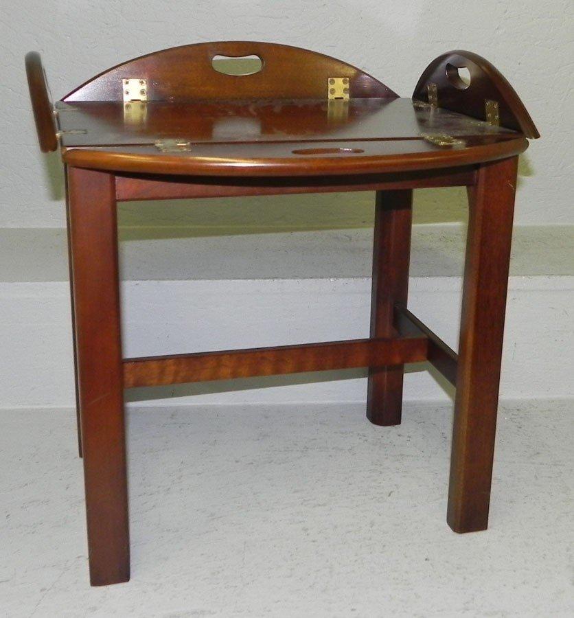66: Miniature butlers tray table