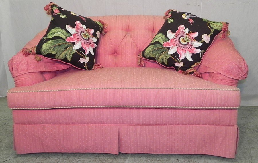81: Chintz overstuffed sofa. Includes matching pillows.