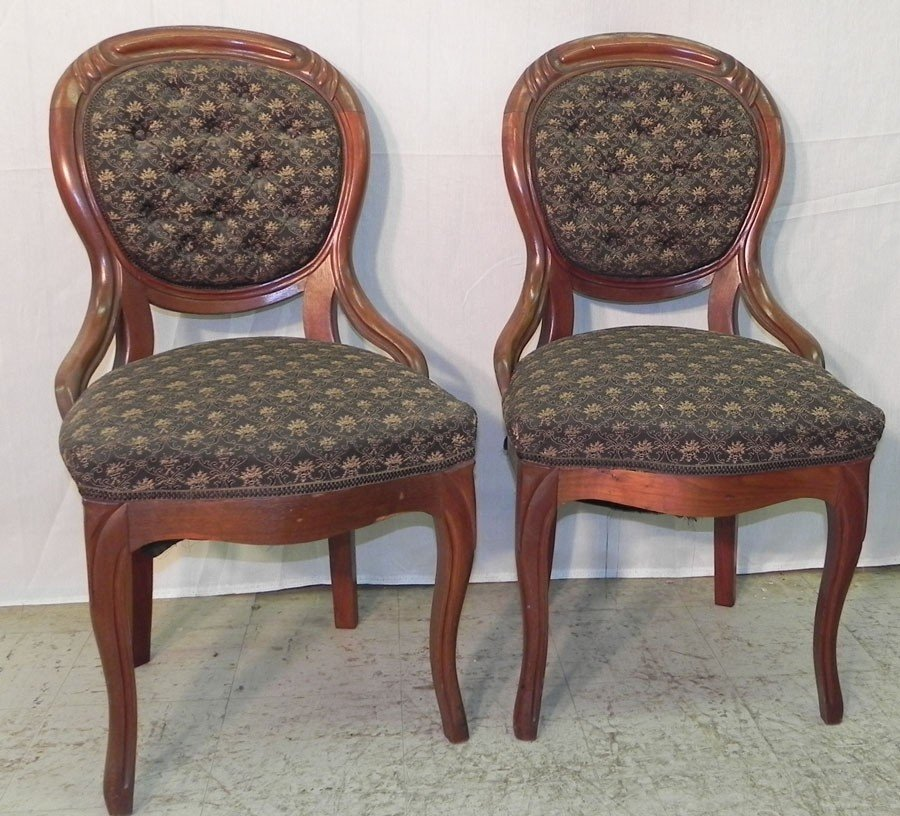 110: Pair Victorian walnut tufted back hip rest chairs