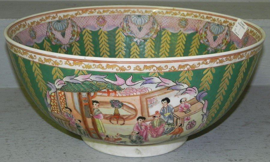 118: Large Oriental decorators bowl.