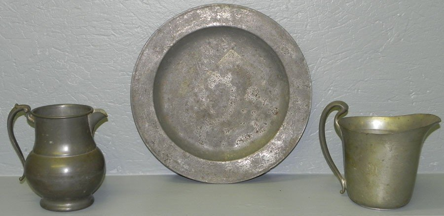 108: 2 pewter pitchers & 19th c pewter charger.