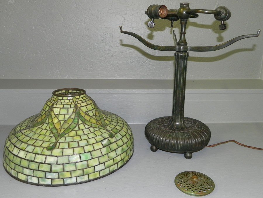 360: Signed Tiffany Studios, NY Stained gl. & br. lamp. - 2