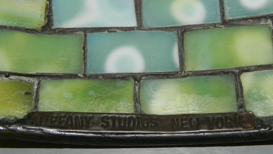360: Signed Tiffany Studios, NY Stained gl. & br. lamp. - 4