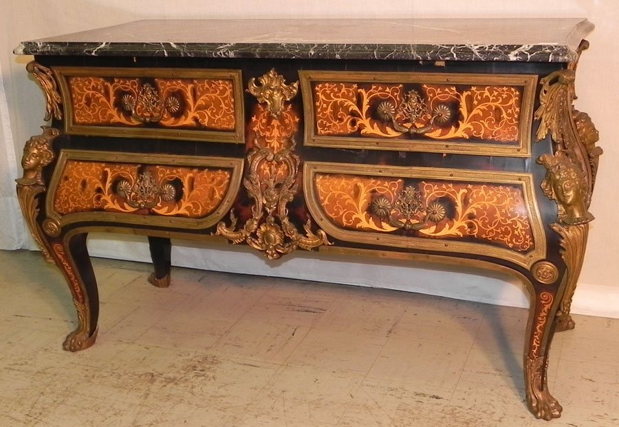 7: MT  bronze mounted bombe style Fr. commode.