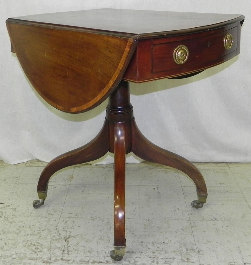 9: Period Fed. banded top oval Pembroke tea table.