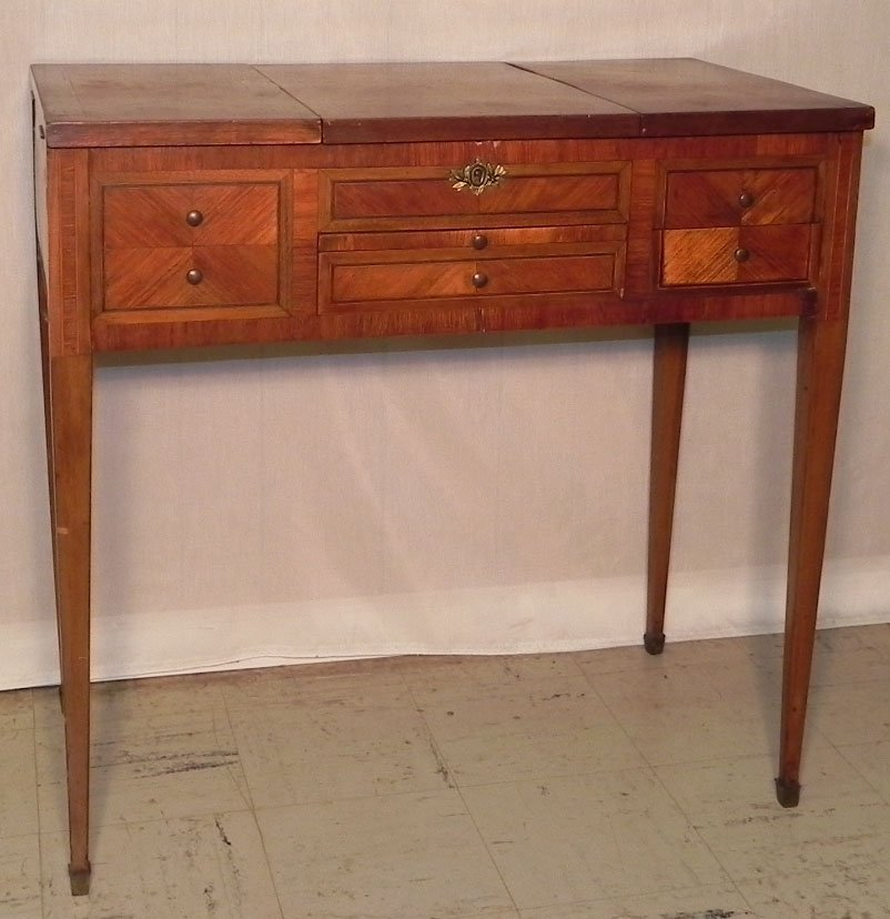 16: Rosewood inlaid dressing table.