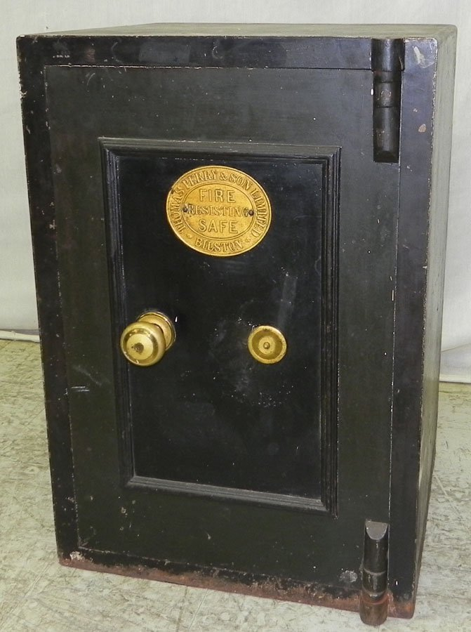 333: Cast iron safe by Thomas Perry & Son, Ltd.