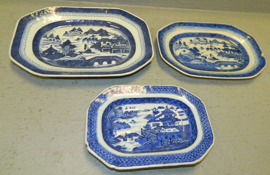 10: 3 19th century Canton platters.
