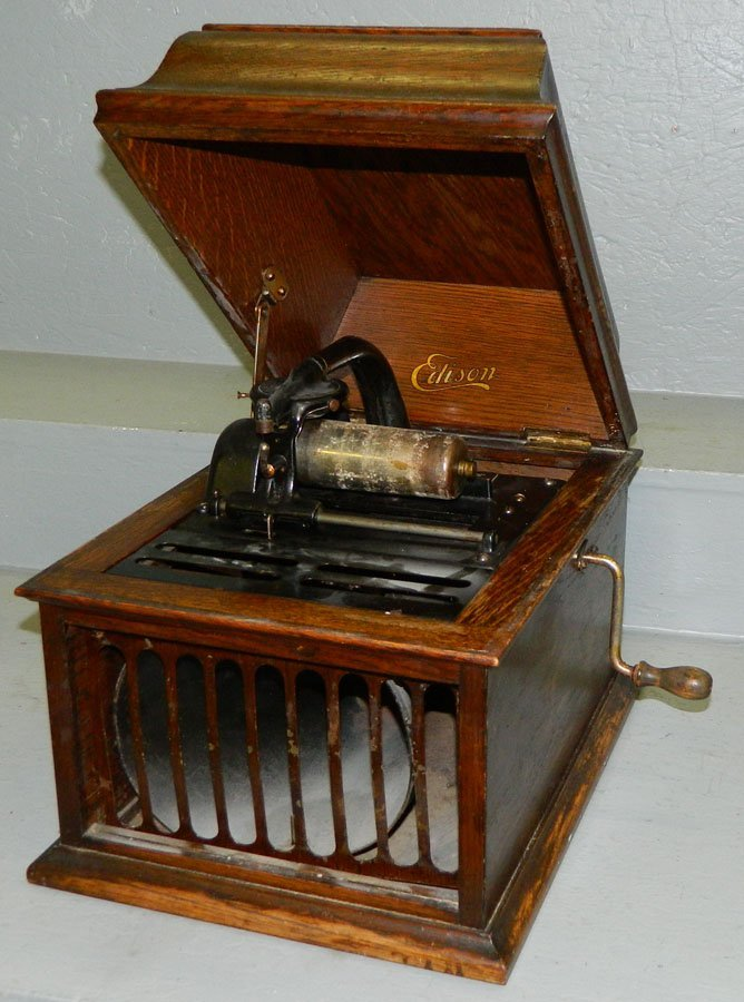 23: Edison cylinder record player in working condition