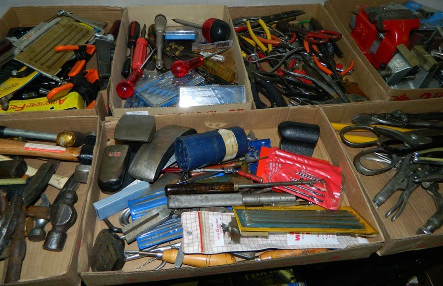 969: Clockmakers' bench and tools. - 5