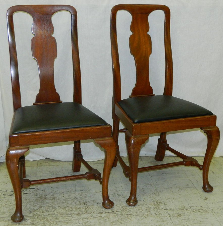 464: Pair of Queen Anne stretcher base side chairs.