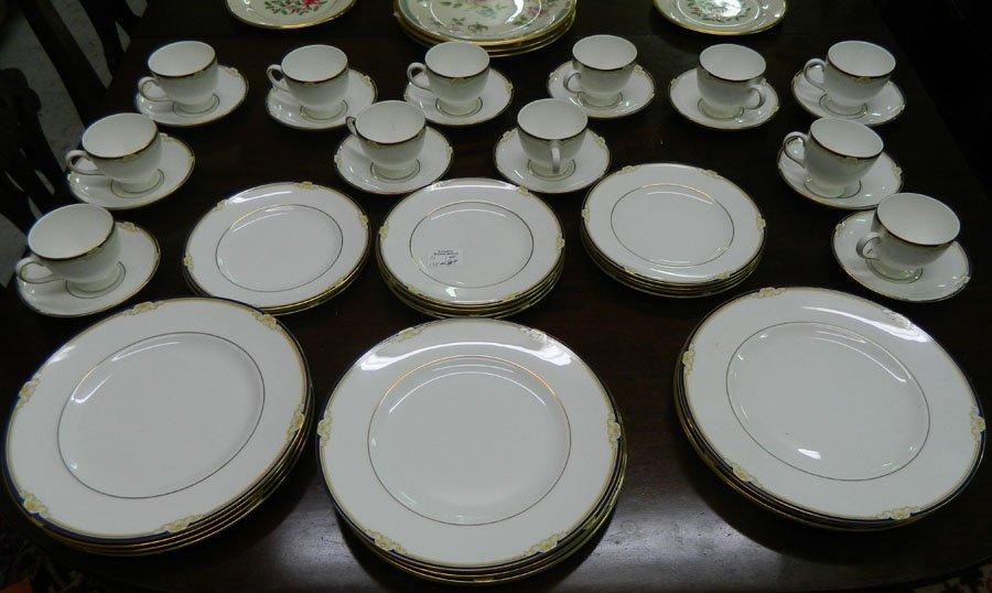 "(46)pc partial dinner set, Wedgwood ""Cavendish""."