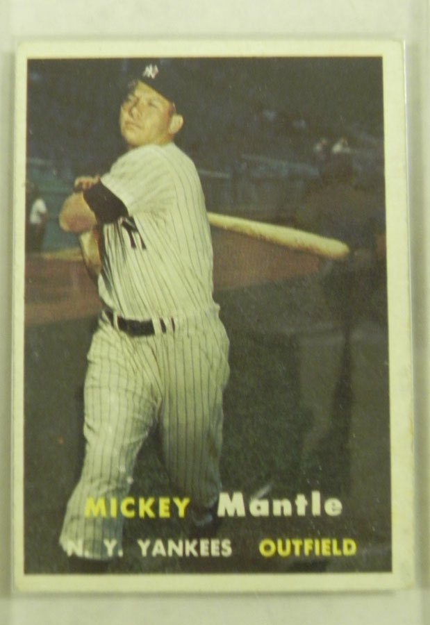 1957 Topps Mickey Mantle #95