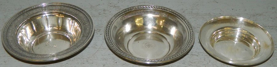 (3) Sterling nut dishes. 8.84 troy oz