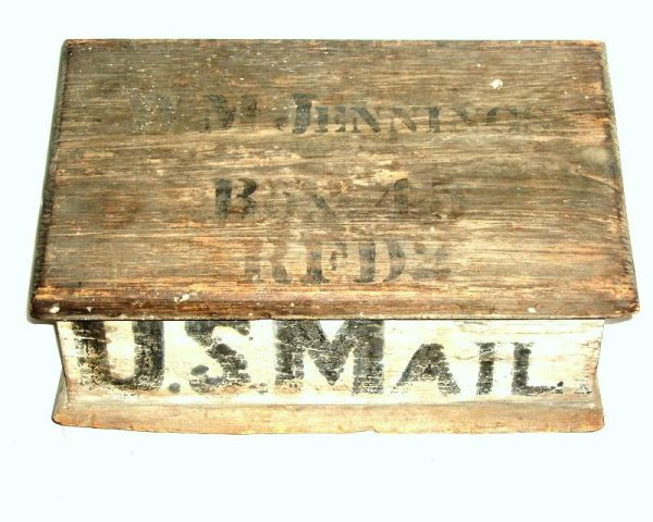 1: Wooden lift top mail box