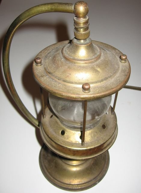 "19: Antique Adjustable ""Brass Table Lamp"""