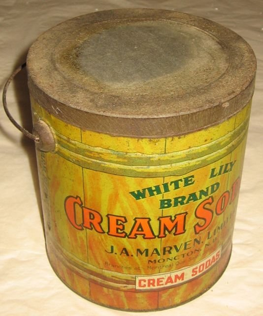 Marven's White Lilly Painted Tin Pail