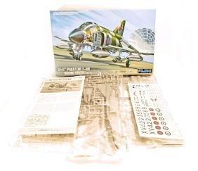 VINTAGE FUJIMI BRITISH PHANTOM F-4M SHARK TEETH JET